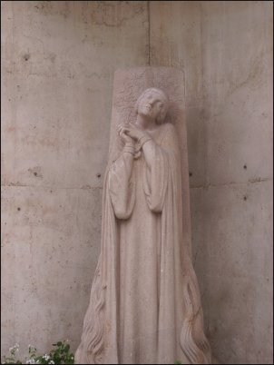 Juana de Arco es heroína y santa nacional