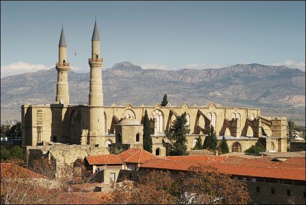 La iglesia Agia Sofia, ahora Mezquita Selimiye, en Nicosia