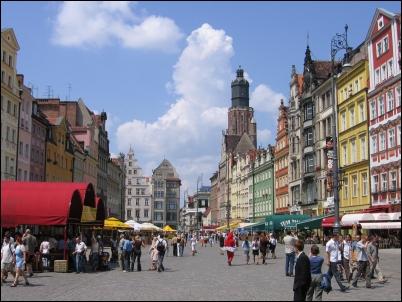El centro de Wroclaw, con la Plaza del Mercado, siempre en ebullición.