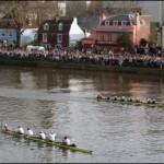 Oxford y Cambridge peleando con el Támesis como testigo