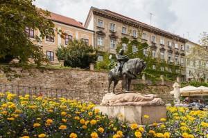 Estatua de San Jorge en Zagreb