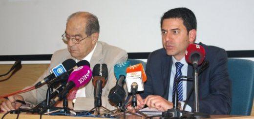 El presidente del comité organizador de 'EUROAL 2016', Luis Callejón, y el secretario general del salón turístico, Carlos Mena