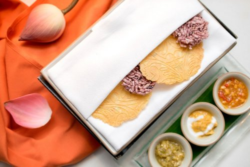 Saffrom crackers - Banyan Tree Phuket
