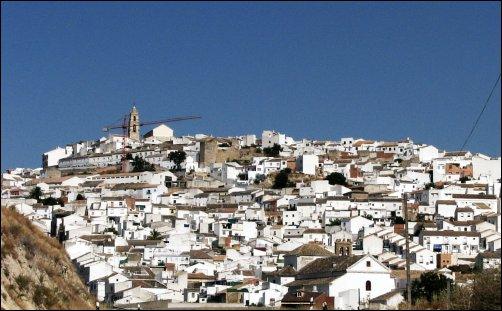 Baena es un pueblo blanco, rodeado de olivares, viñedos y huertas