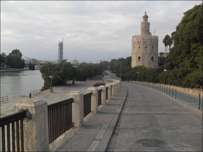 La Torre del Oro y el Guadalquivir, la unión perfecta