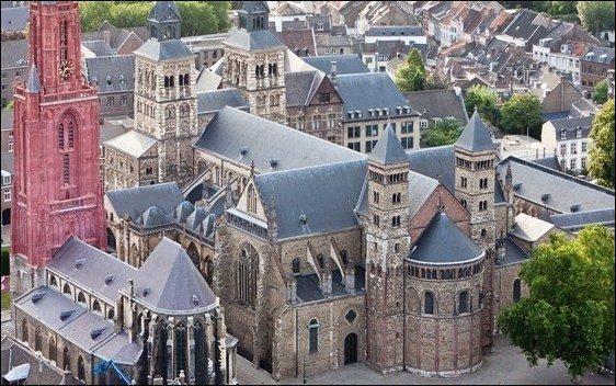 El sur de Holanda: La Basílica de San Servacio, lugar de peregrinación, en Maastricht