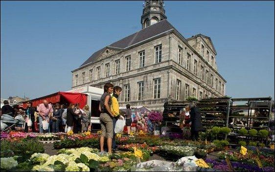 El sur de Holanda: Maastricht está plagado de calles y mercados comerciales