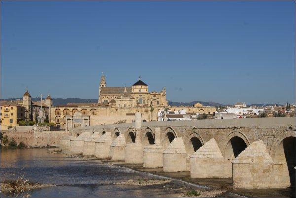 El precioso puente romano
