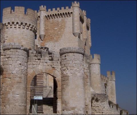 El impresionante Castillo de Peñafiel.