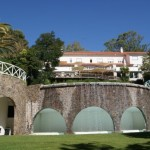 Cascada de la piscina del Ô Hotel Fonte Santa