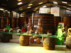 Dentro de la Destilería de Verbena del Velay Pagès podemos visitar el Museo