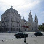 En el corazón de Portugal, a unos kilómetros de Lisboa, se encuentra uno de los palacios más espectaculares del país. El Palacio Nacional de Mafra