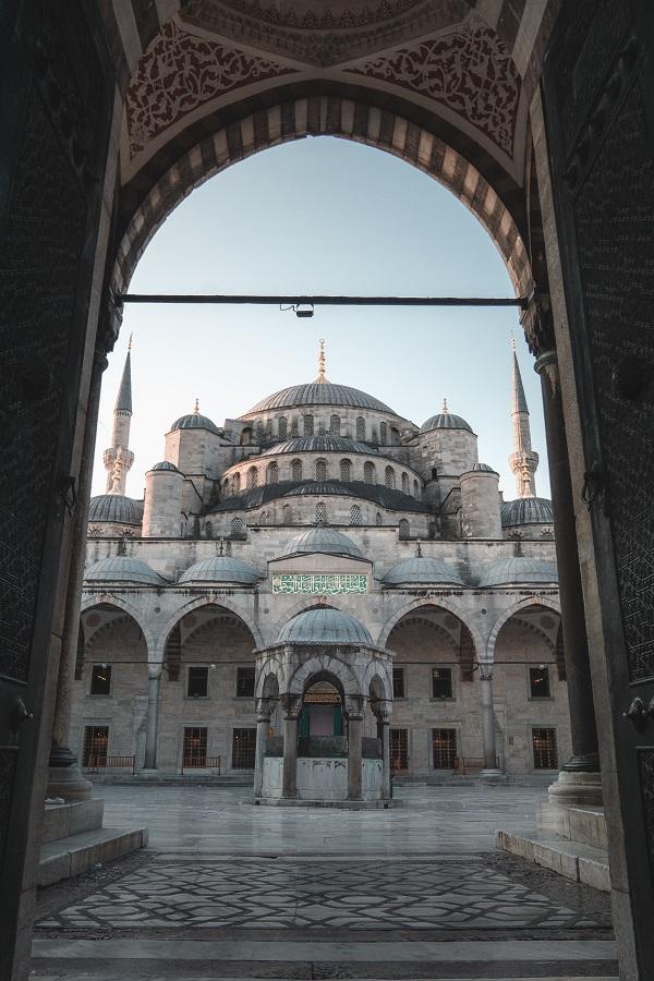 La Mezquita Azul es la mezquita más famosa de Estambul